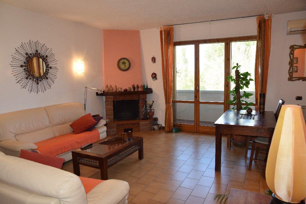 Appartamento in vendita a Pontedera, 6 locali, prezzo € 209.000 | CambioCasa.it