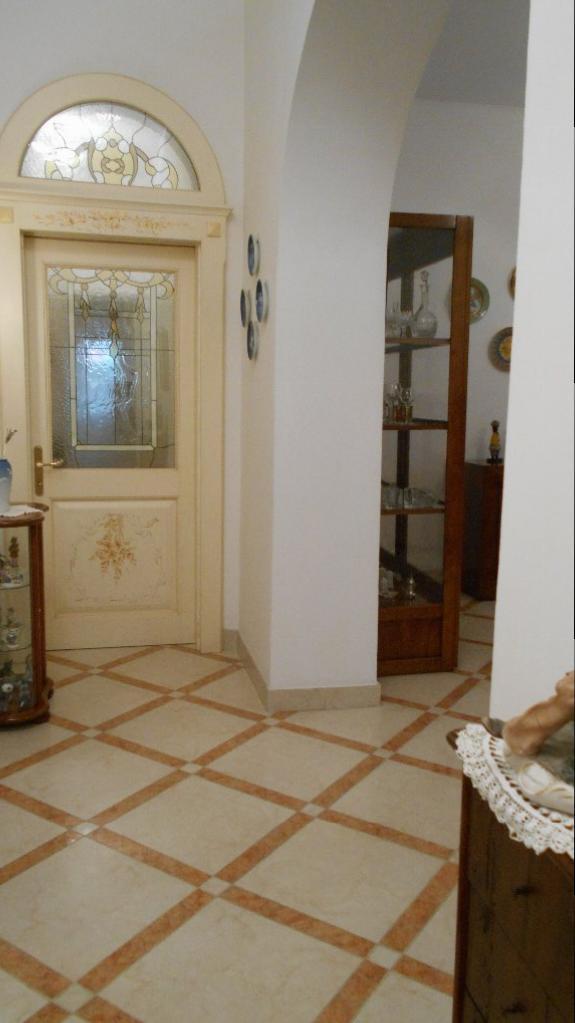 Appartamento in vendita a Livorno, 5 locali, prezzo € 315.000 | CambioCasa.it