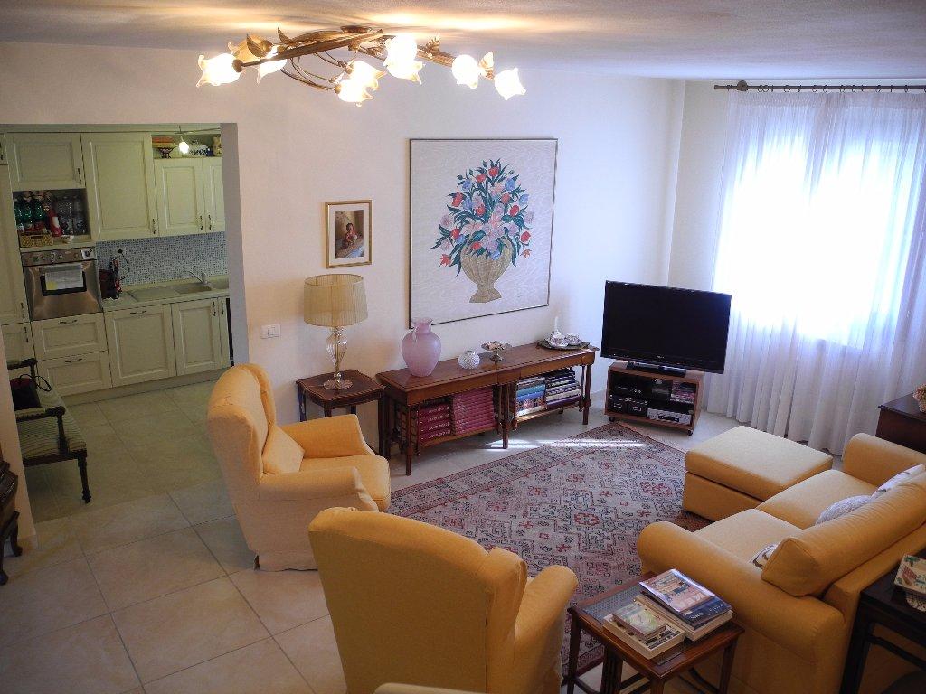 Soluzione Indipendente in vendita a Cerreto Guidi, 5 locali, prezzo € 285.000 | CambioCasa.it