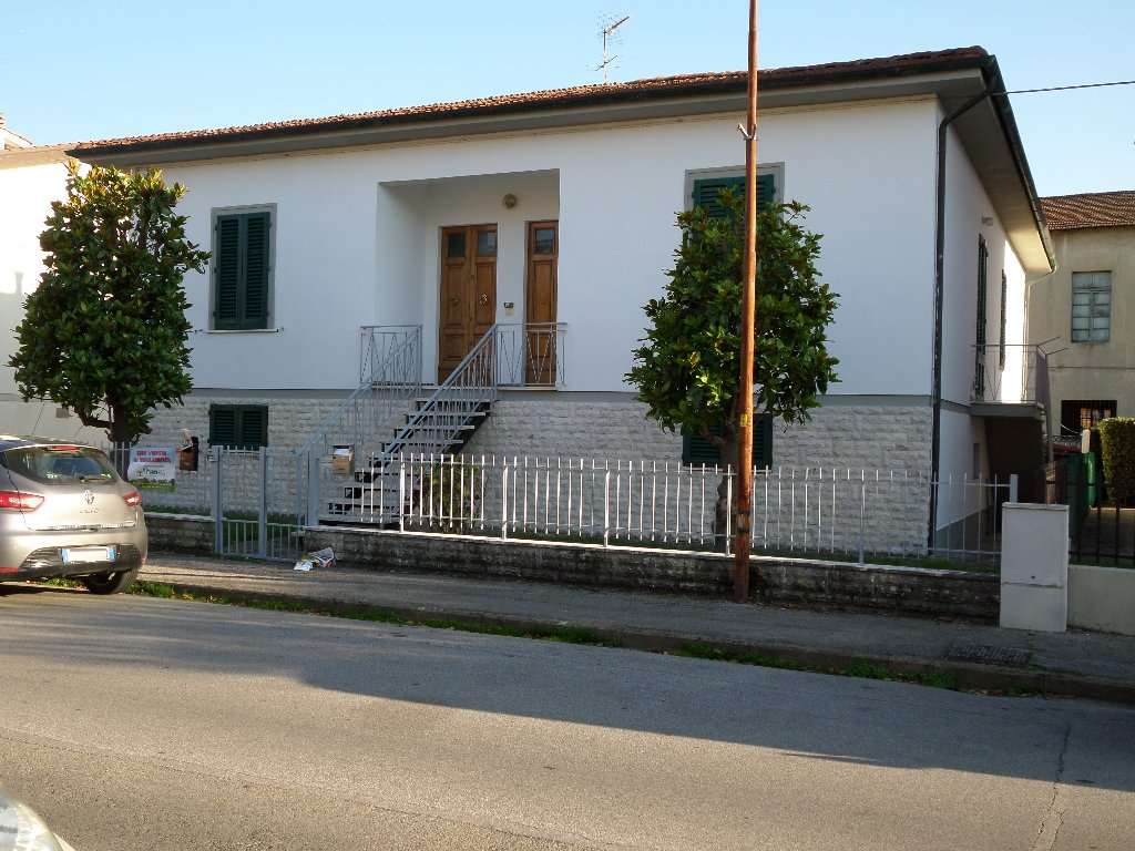 Soluzione Indipendente in vendita a San Miniato, 12 locali, prezzo € 280.000 | CambioCasa.it