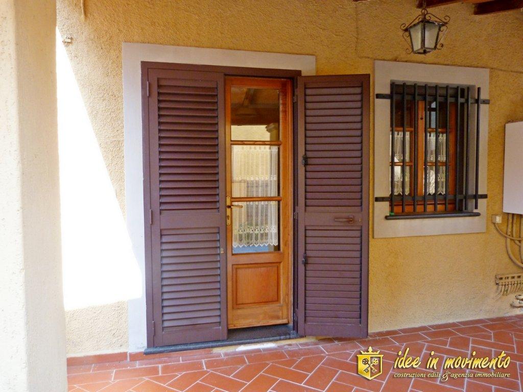 Soluzione Indipendente in vendita a Montignoso, 3 locali, prezzo € 160.000   CambioCasa.it