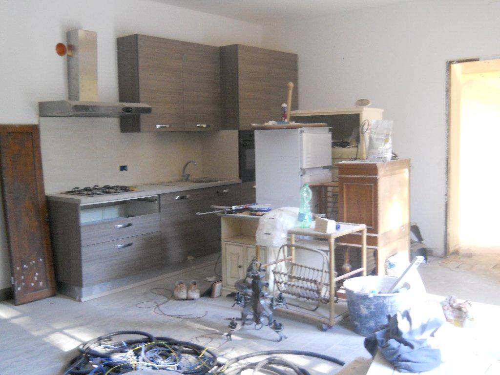 Appartamento in affitto a San Giuliano Terme, 3 locali, prezzo € 650 | CambioCasa.it