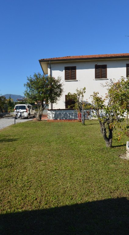 Villetta bifamiliare in vendita a Chiesina Uzzanese (PT)