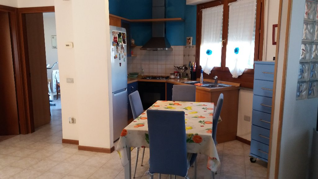 Appartamento in vendita a Capraia e Limite, 3 locali, prezzo € 155.000 | CambioCasa.it