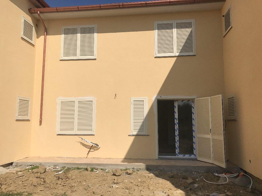 Appartamento in vendita a Calcinaia, 3 locali, prezzo € 170.000 | CambioCasa.it