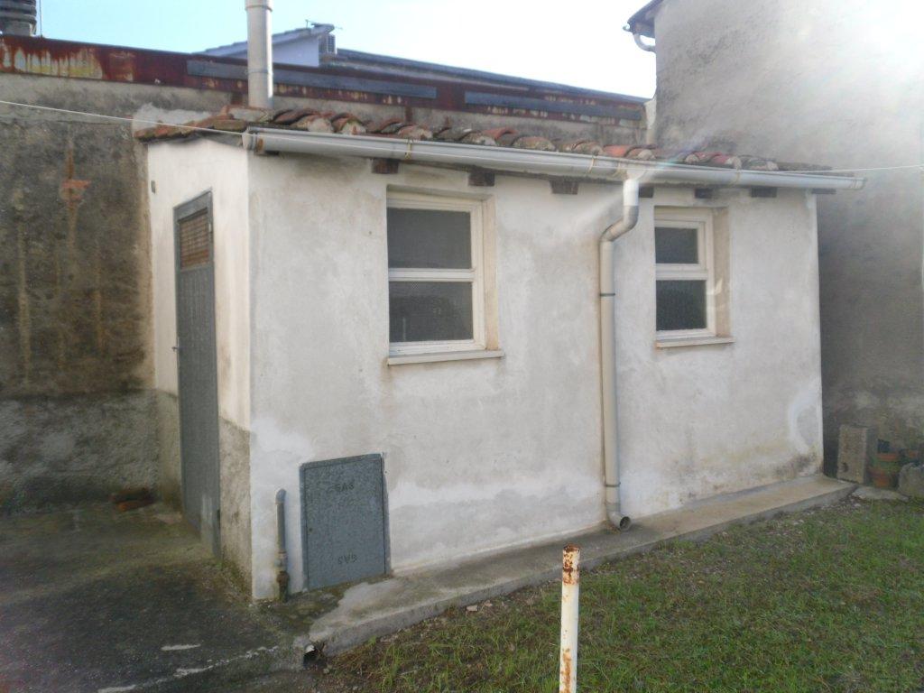 Soluzione Indipendente in vendita a Lucca, 3 locali, prezzo € 130.000 | CambioCasa.it