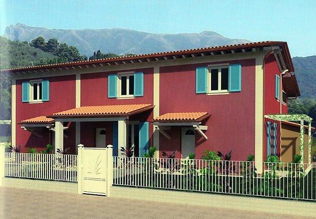 Villa Tri-Quadrifamiliare in Vendita a Massarosa
