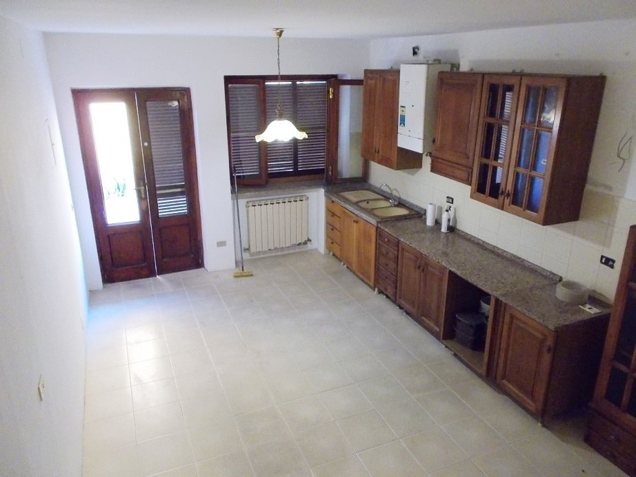 Soluzione Indipendente in vendita a Vecchiano, 4 locali, prezzo € 80.000 | CambioCasa.it