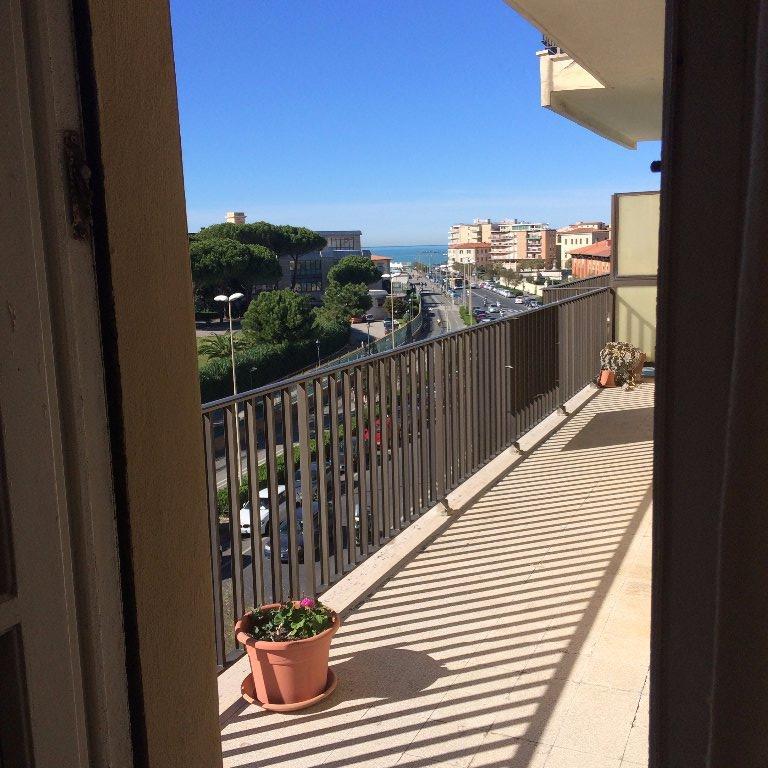 Appartamento in vendita a Livorno, 4 locali, prezzo € 330.000 | CambioCasa.it