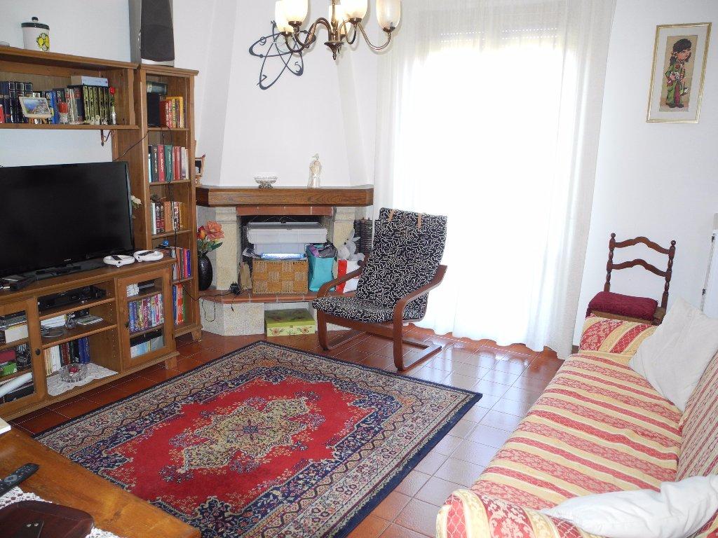Appartamento in vendita a Cerreto Guidi, 4 locali, prezzo € 165.000 | CambioCasa.it