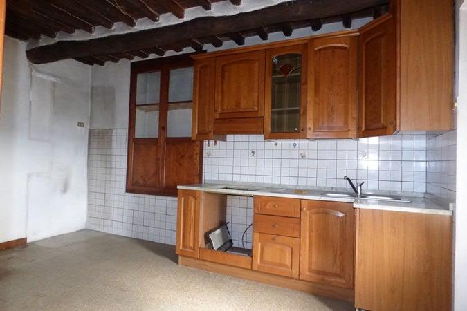 Soluzione Indipendente in vendita a Lucca, 5 locali, prezzo € 120.000 | CambioCasa.it