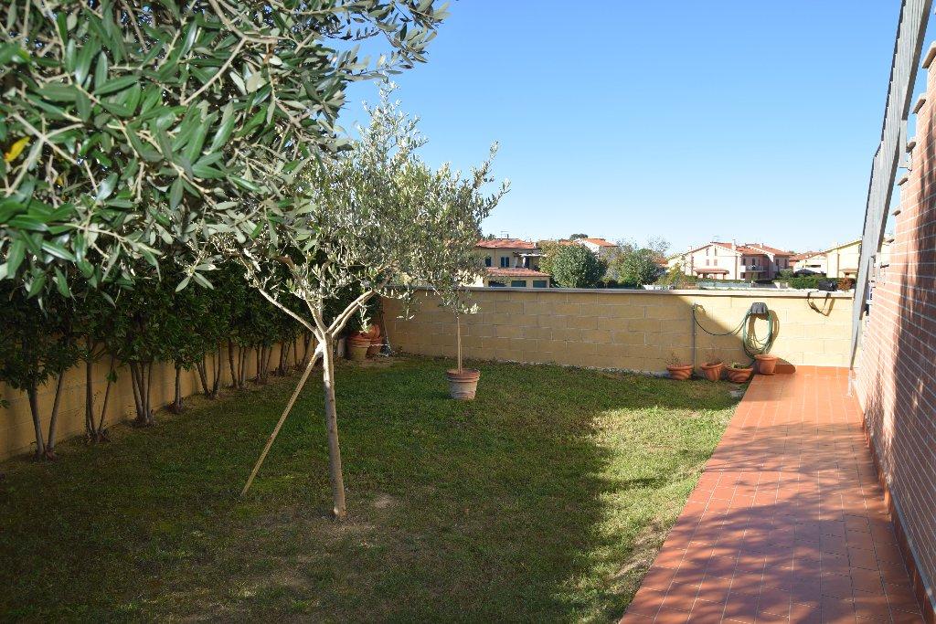 Appartamento in vendita a Calcinaia, 3 locali, prezzo € 159.000 | CambioCasa.it