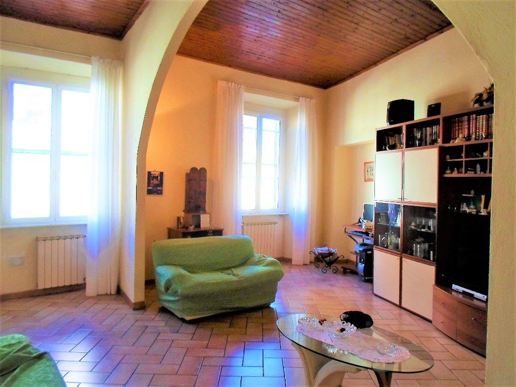 Appartamento in vendita a Livorno, 4 locali, prezzo € 150.000   CambioCasa.it