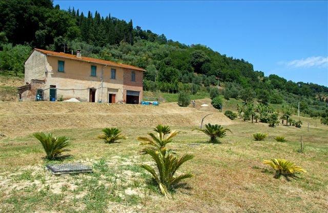 Rustico / Casale in vendita a Castelfranco di Sotto, 12 locali, prezzo € 450.000 | CambioCasa.it