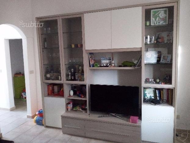 Appartamento in affitto a Collesalvetti, 3 locali, prezzo € 700 | CambioCasa.it