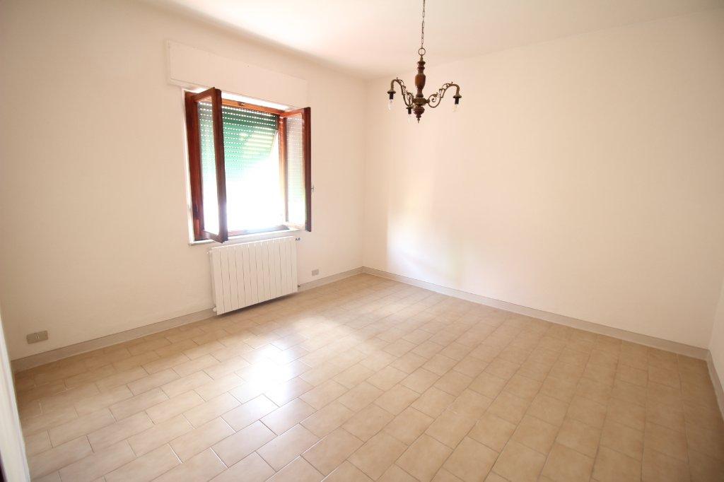 Appartamento in affitto a Bientina, 5 locali, prezzo € 650 | CambioCasa.it