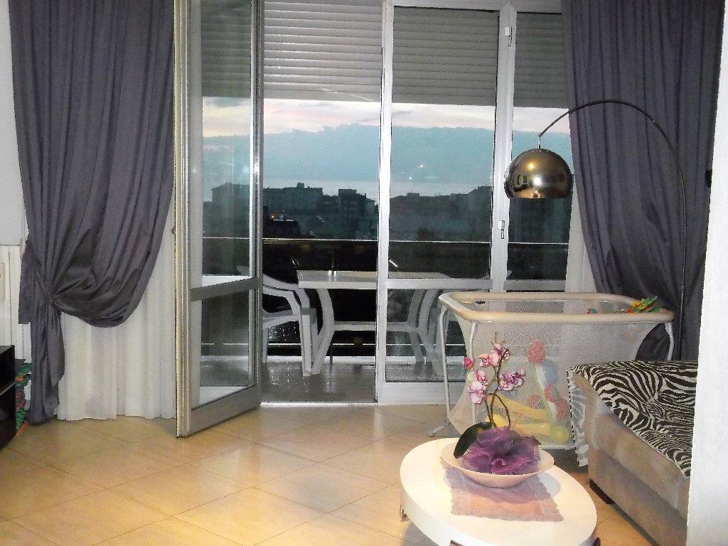Appartamento in vendita a Livorno, 4 locali, prezzo € 240.000 | CambioCasa.it