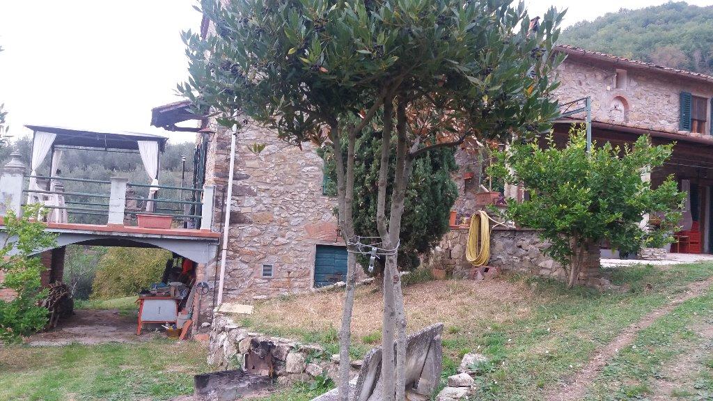 Rustico / Casale in vendita a Monsummano Terme, 6 locali, prezzo € 620.000 | CambioCasa.it