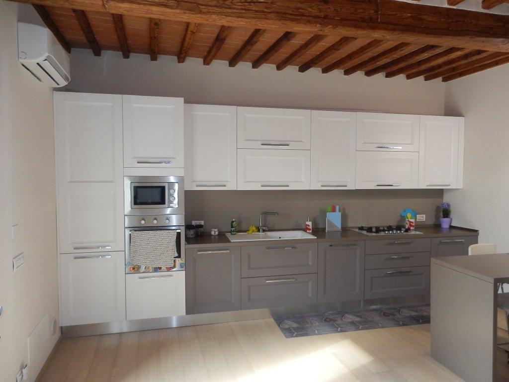 Soluzione Indipendente in vendita a Cascina, 6 locali, prezzo € 260.000 | CambioCasa.it