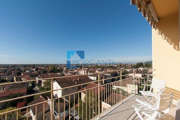 Appartamento in vendita a Pietrasanta, 4 locali, prezzo € 260.000 | CambioCasa.it