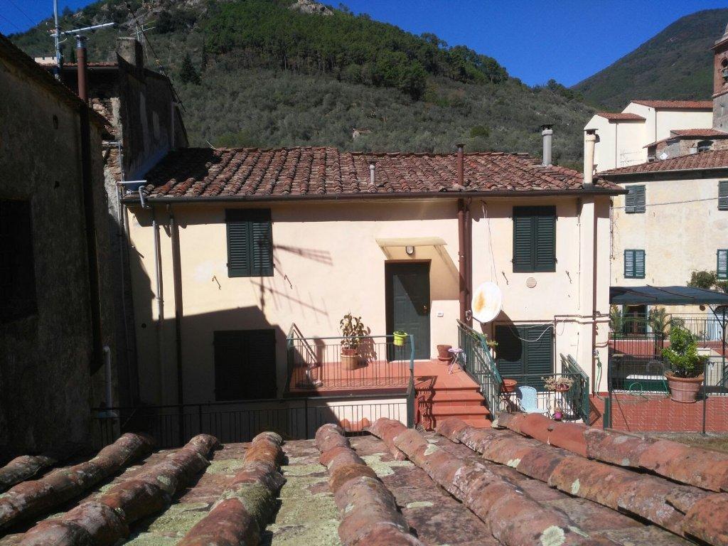 Appartamento in vendita a Calci, 10 locali, prezzo € 298.000 | PortaleAgenzieImmobiliari.it