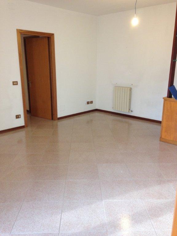 Appartamento in vendita a Cascina, 4 locali, prezzo € 140.000   CambioCasa.it