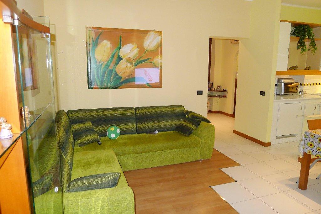 Appartamento in affitto, rif. A147