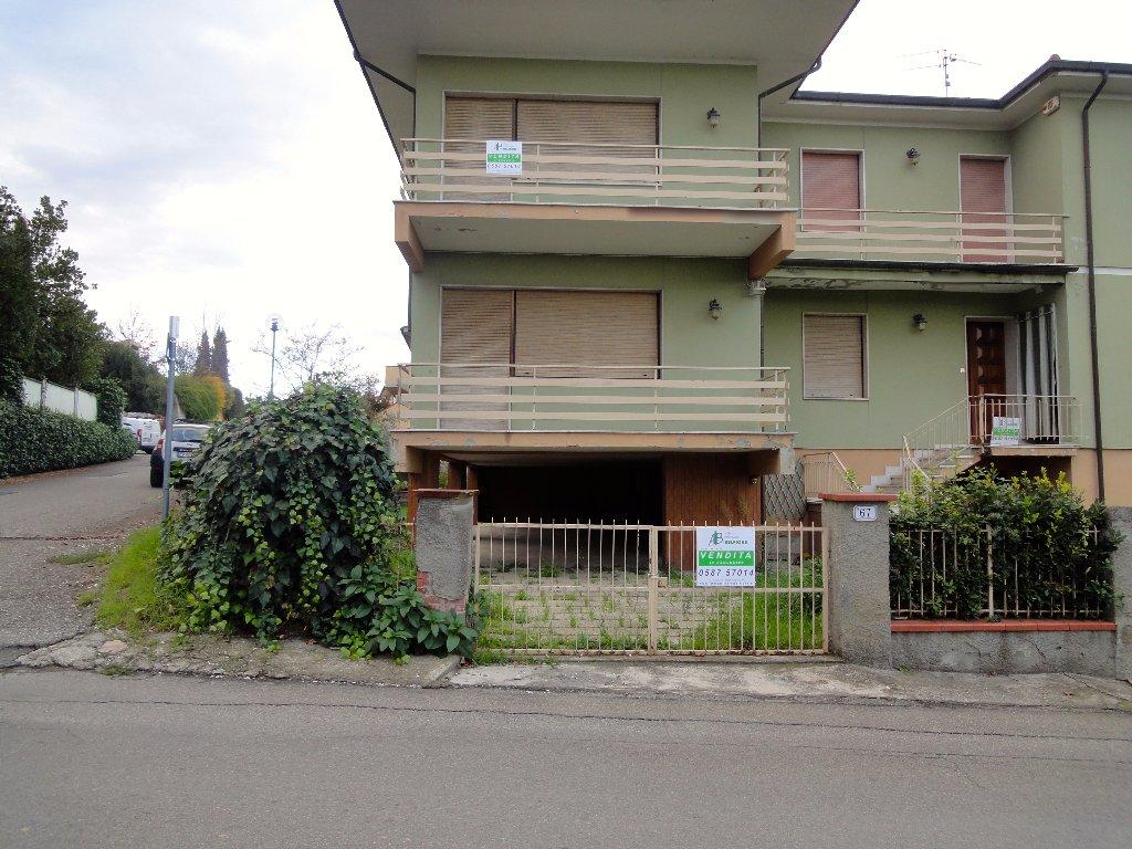 Soluzione Indipendente in vendita a Buti, 10 locali, prezzo € 250.000 | CambioCasa.it