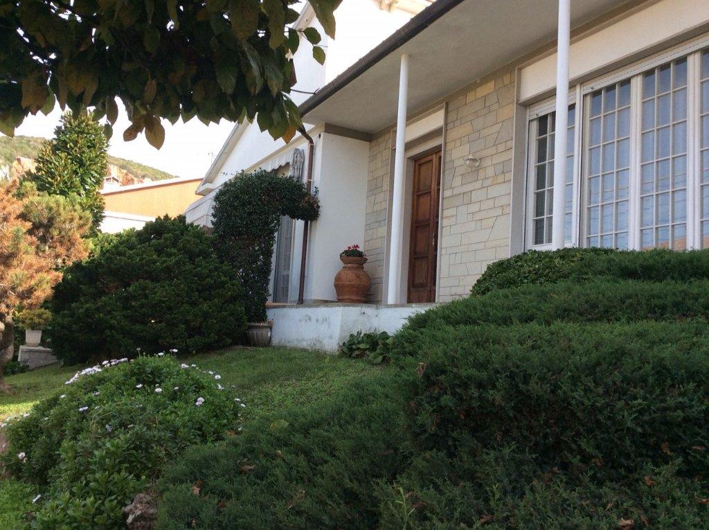 Villa in vendita a Vecchiano, 10 locali, prezzo € 480.000   CambioCasa.it