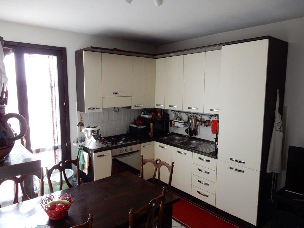 Appartamento in vendita a Calcinaia, 3 locali, prezzo € 90.000 | CambioCasa.it