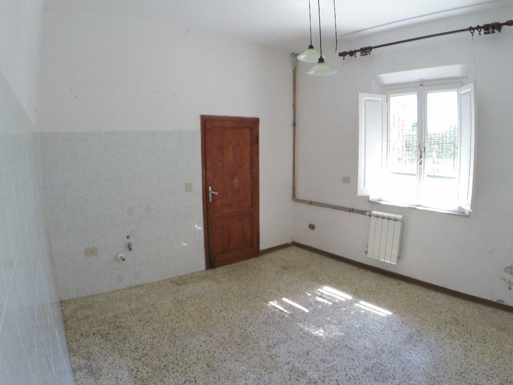 Soluzione Indipendente in vendita a Calcinaia, 4 locali, prezzo € 130.000 | CambioCasa.it