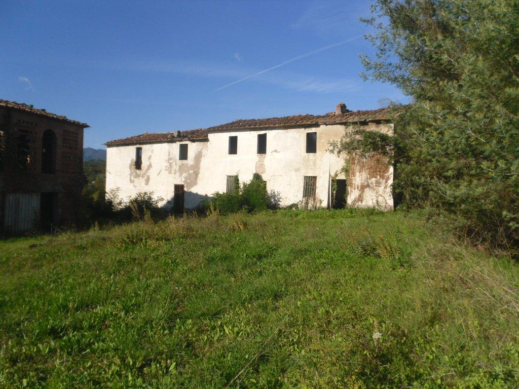 Rustico / Casale in vendita a Montecarlo, 1 locali, prezzo € 600.000 | CambioCasa.it