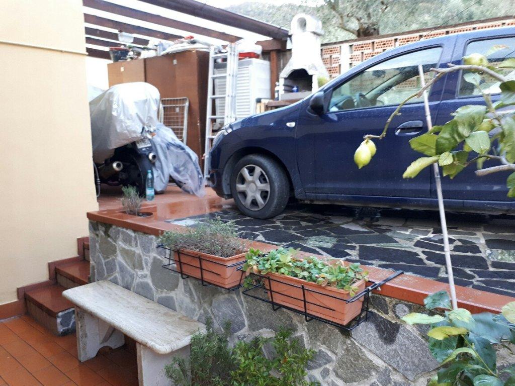 Casa semindipendente in vendita a Fossone, Carrara (MS)