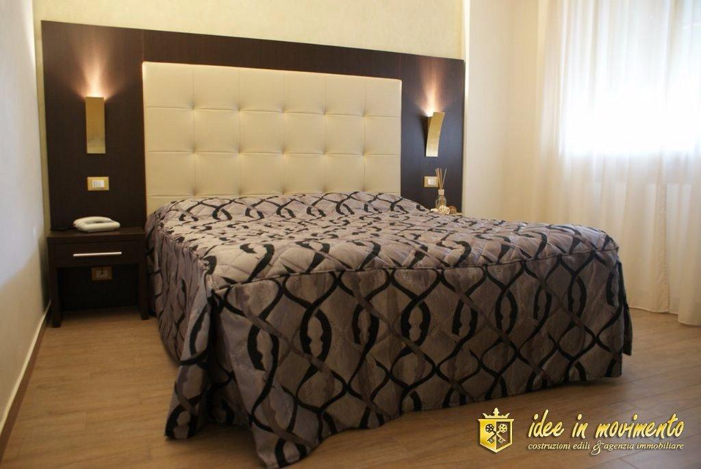 Albergo/Hotel in vendita a Marina Di Massa, Massa