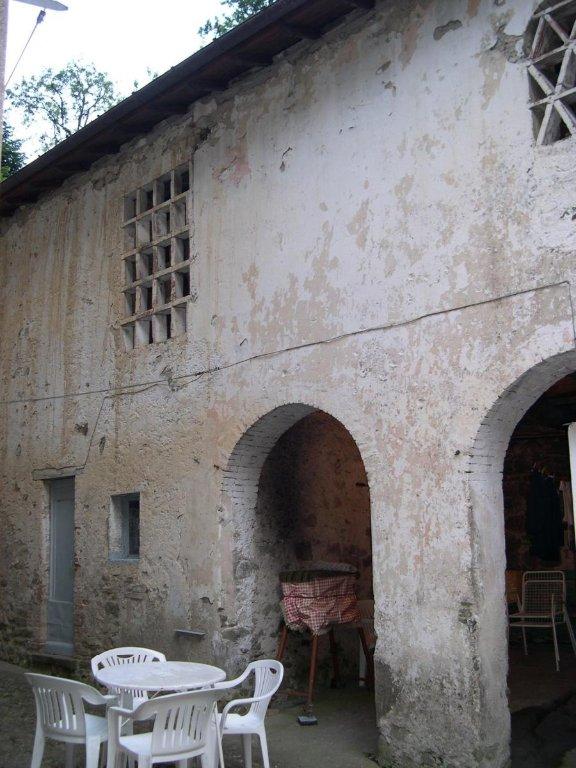 Soluzione Indipendente in vendita a Piteglio, 24 locali, prezzo € 140.000 | CambioCasa.it