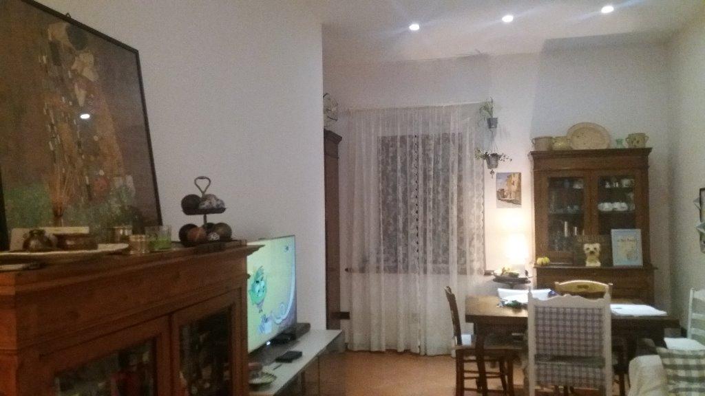 Appartamento in vendita a Capraia e Limite, 4 locali, prezzo € 140.000 | CambioCasa.it