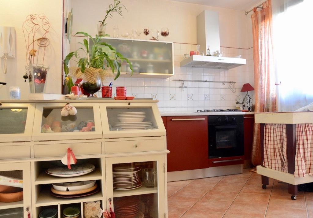 Villetta quadrifamiliare in vendita, rif. LOG-154