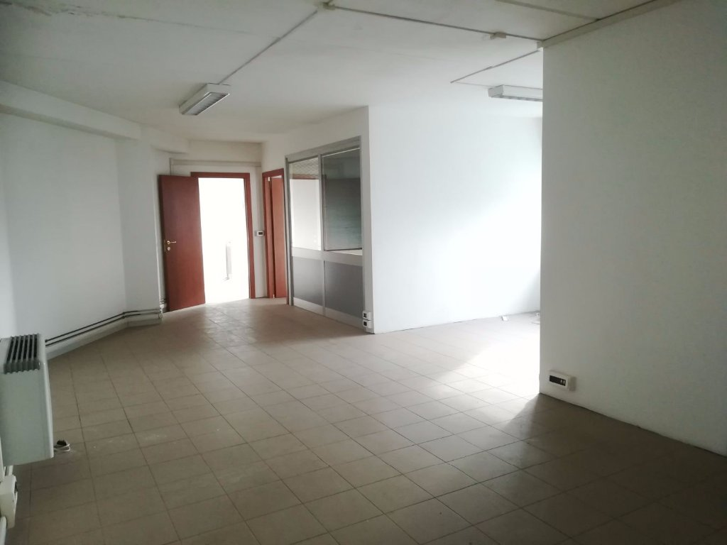 Office for sale in San Giuliano Terme (PI)