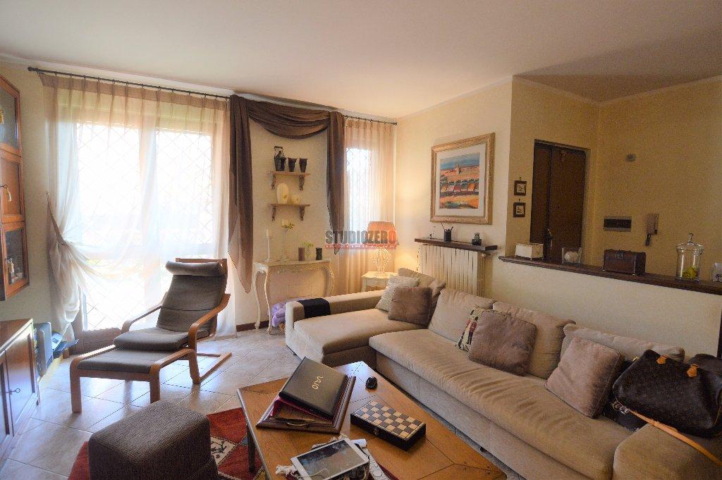 Villa a Schiera in vendita a Buggiano, 12 locali, prezzo € 290.000 | CambioCasa.it
