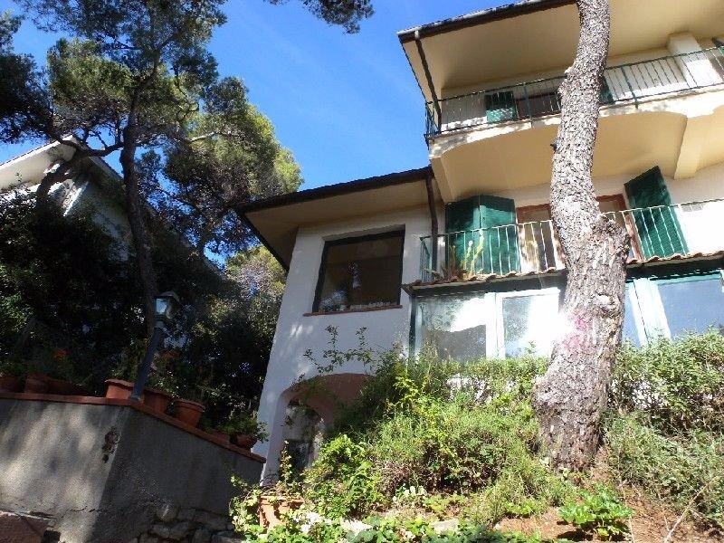 Villa in Affitto a Rosignano Marittimo