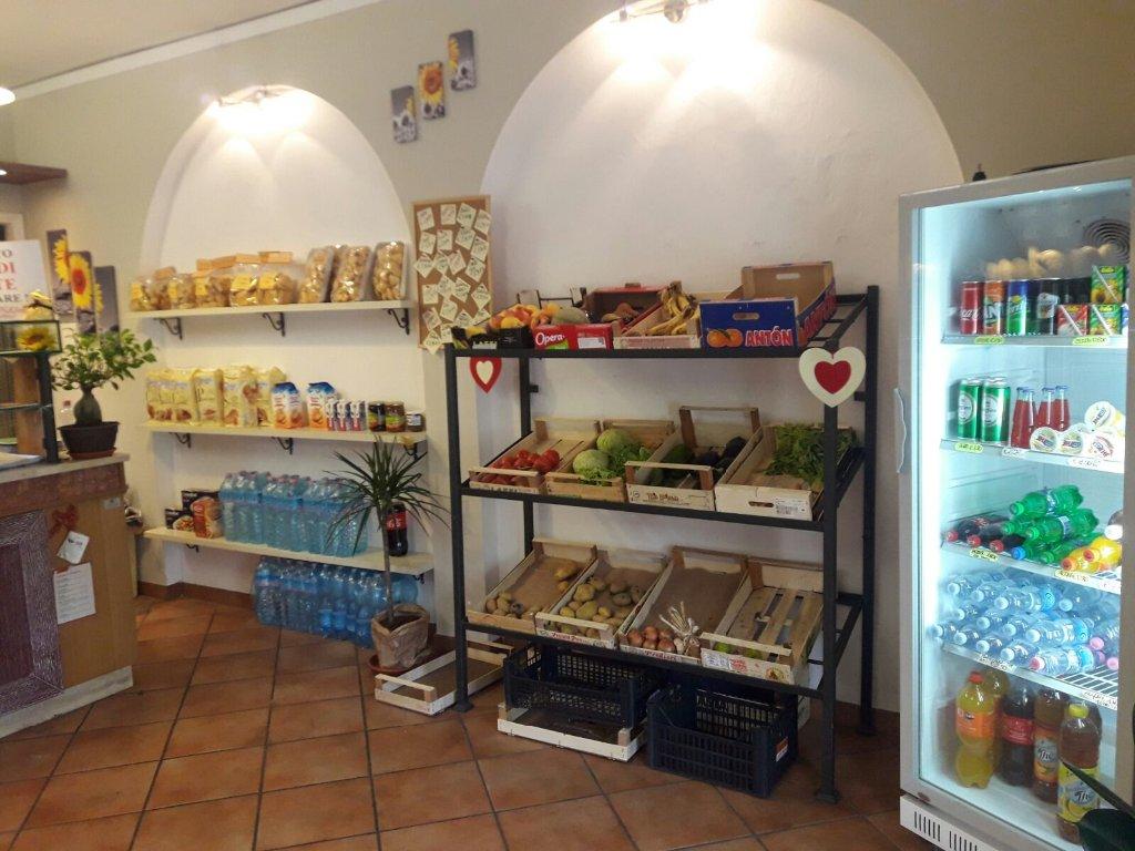 Attività / Licenza in vendita a Capannori, 2 locali, prezzo € 48.000 | CambioCasa.it