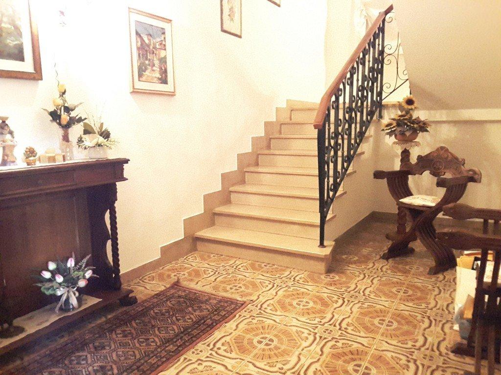 Villa in affitto a Cascina, 6 locali, prezzo € 1.000   CambioCasa.it