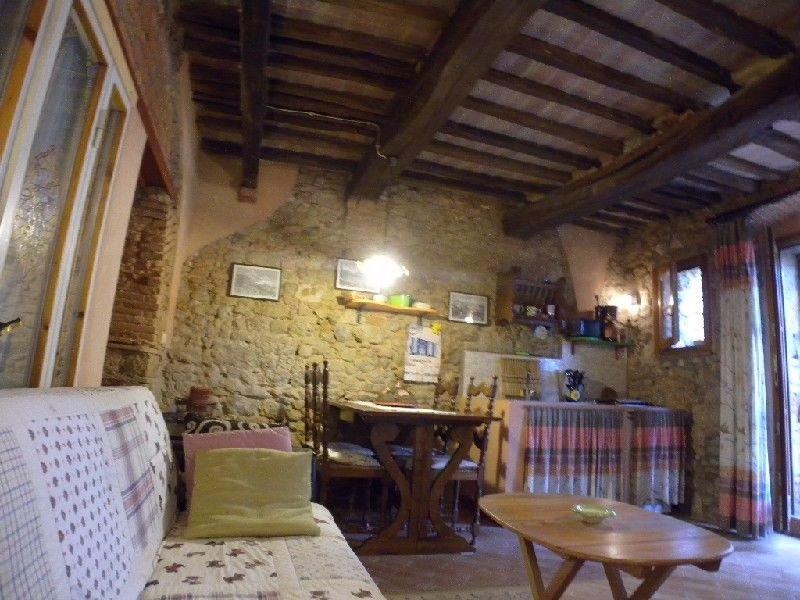 Appartamento in affitto a Guardistallo, 2 locali, prezzo € 450 | CambioCasa.it