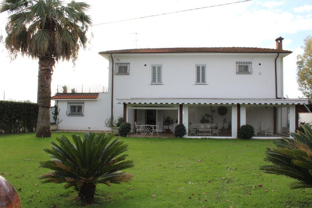 Villa singola in vendita a Pietrasanta