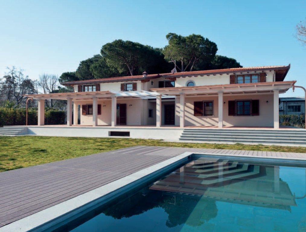 Villa in vendita a Pietrasanta, 15 locali, Trattative riservate | CambioCasa.it