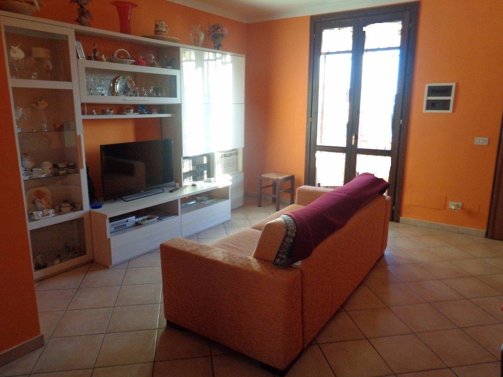 Appartamento in vendita a Pontedera, 4 locali, prezzo € 195.000 | CambioCasa.it