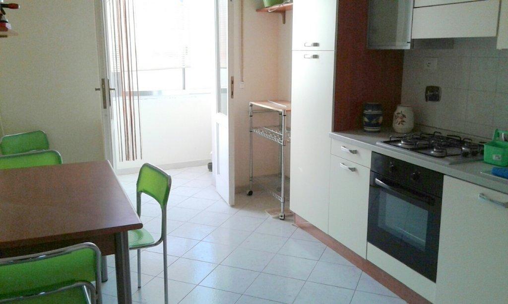 Appartamento in vendita a Livorno, 4 locali, prezzo € 138.000 | CambioCasa.it