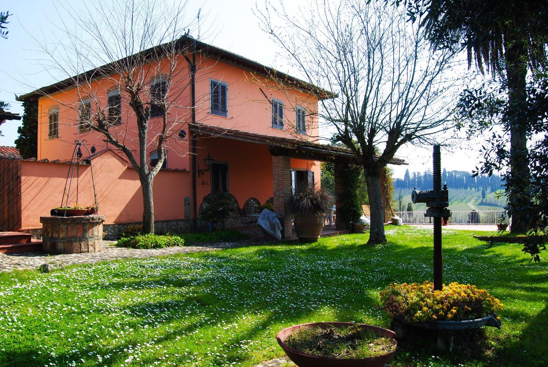 Villa singola a Capraia e Limite