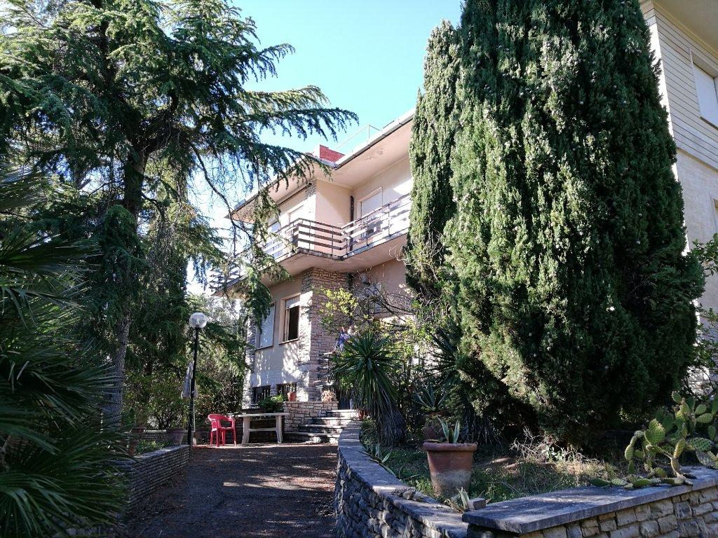 Villa singola in vendita a Quercianella, Livorno