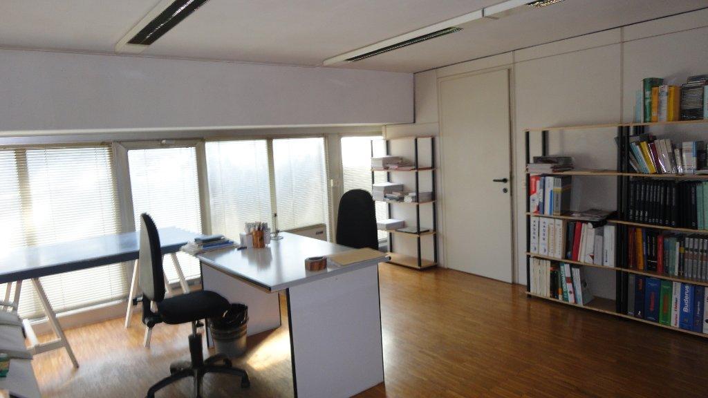 Ufficio in affitto commerciale a Siena